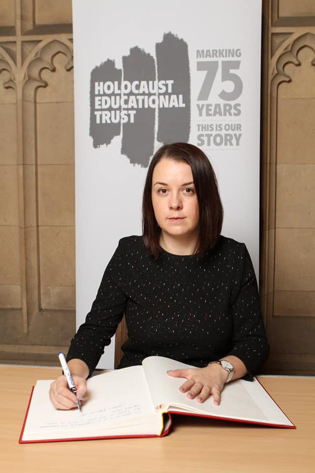 Signing_the_Holocaust_Educational_Trust's_Book_of_Commitment__2020.jpg