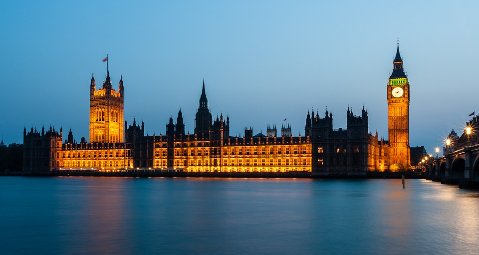 houses-of-parliament-1055056_960_720.jpg