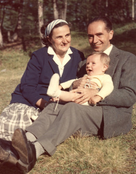 St_Gianna_with_husband_and_child.jpg