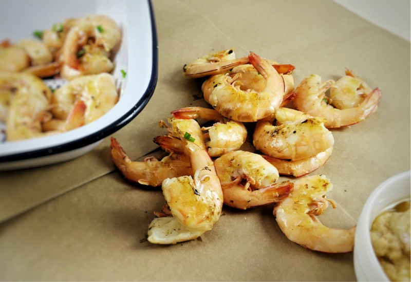 Butterflied prawns with peanut-lime sauce