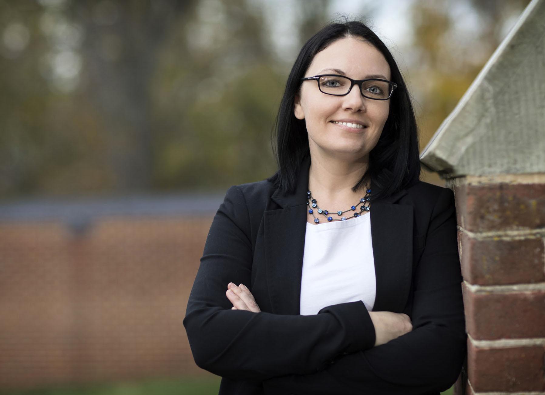 Dr. Sabrina Stierwalt headshot
