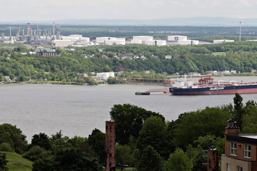 Quebec politicians not aligned with public opinion on energy development: Poll