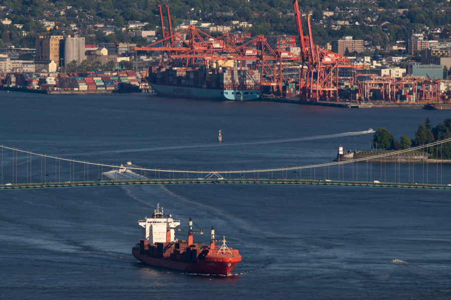 Canada's ports and energy imports and exports: International comparisons