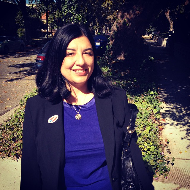 Suzie_Abajian_November_5_2013_just_voted.jpg
