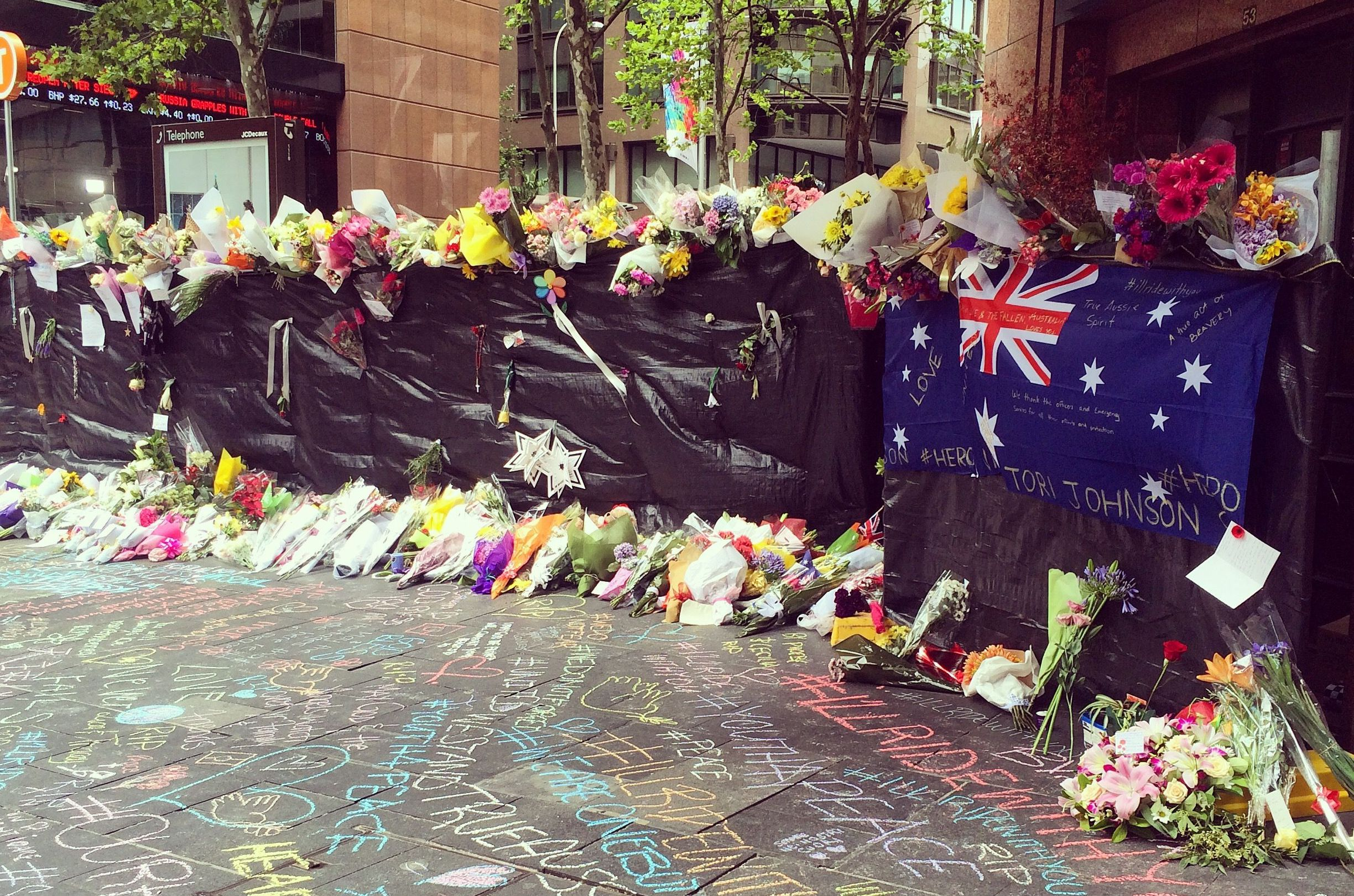 martin_place_with_flag2.jpg