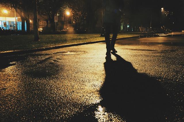 pedestrian-925850_640.jpg