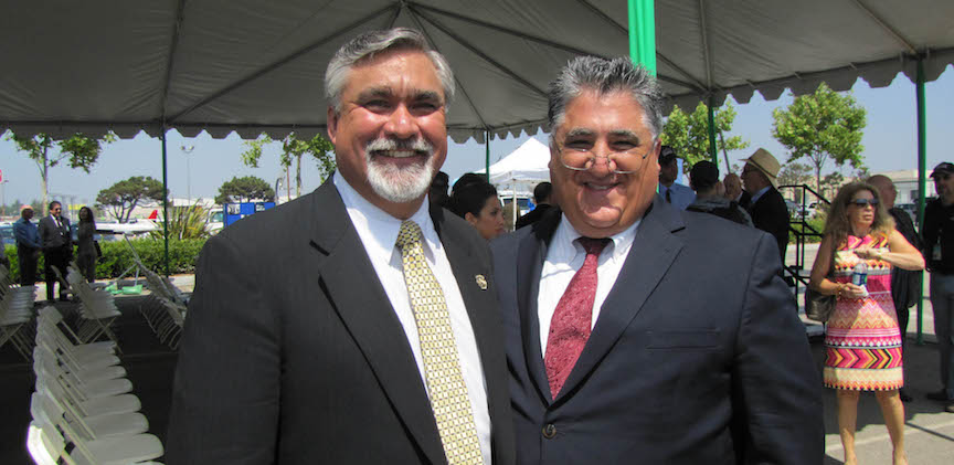 Burbank_Airport_groundbreaking_with_Burbank_mayor_Talamantes.jpg