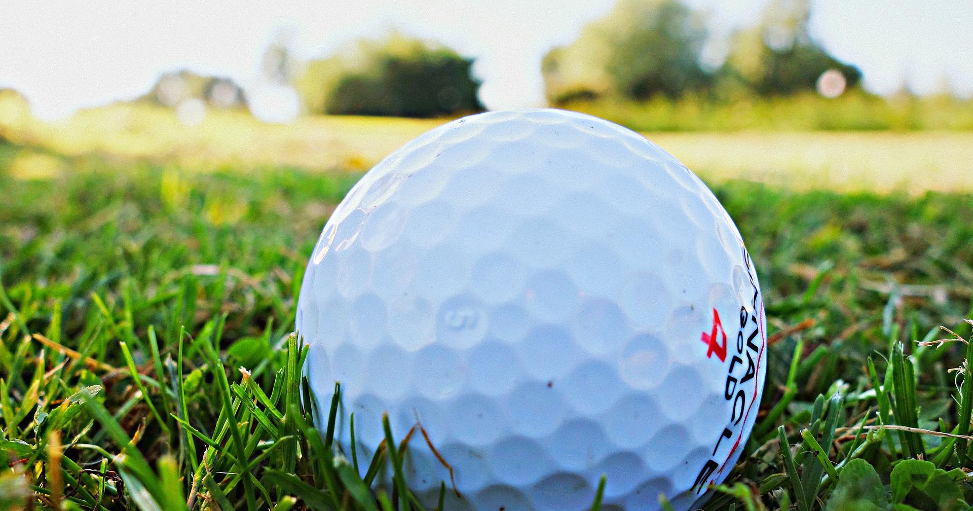 golf-ball-1605948_1920.jpg