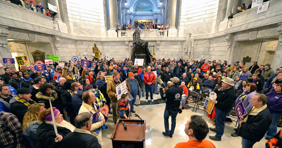 kentucky-right-to-work_protest_thumb.jpg