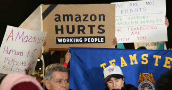 ny-amazon-protest_thumb.jpg