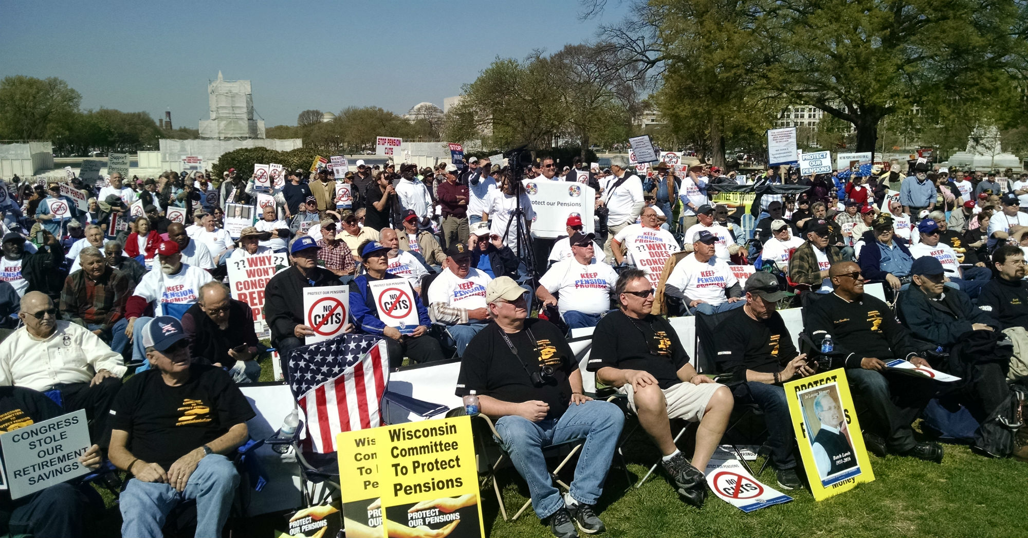dc_pension_rally2_thumb.jpg