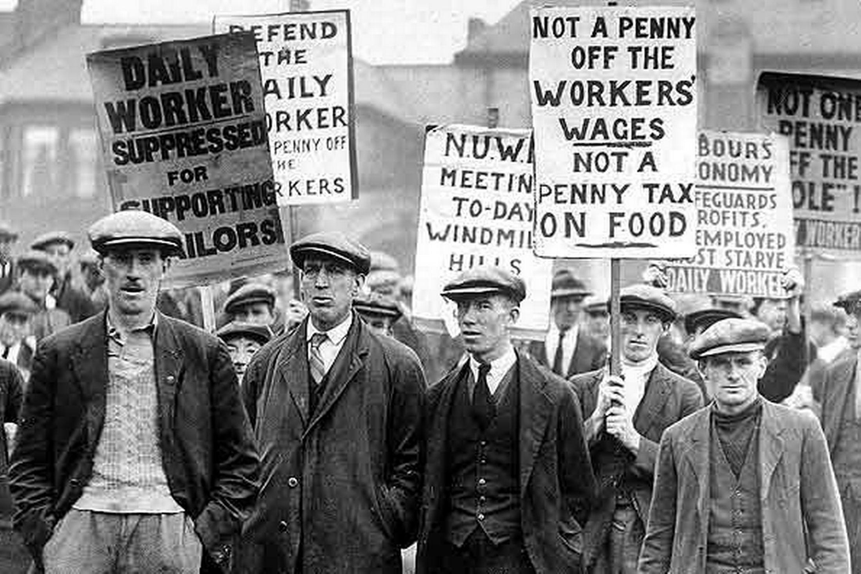 strikers.jpg