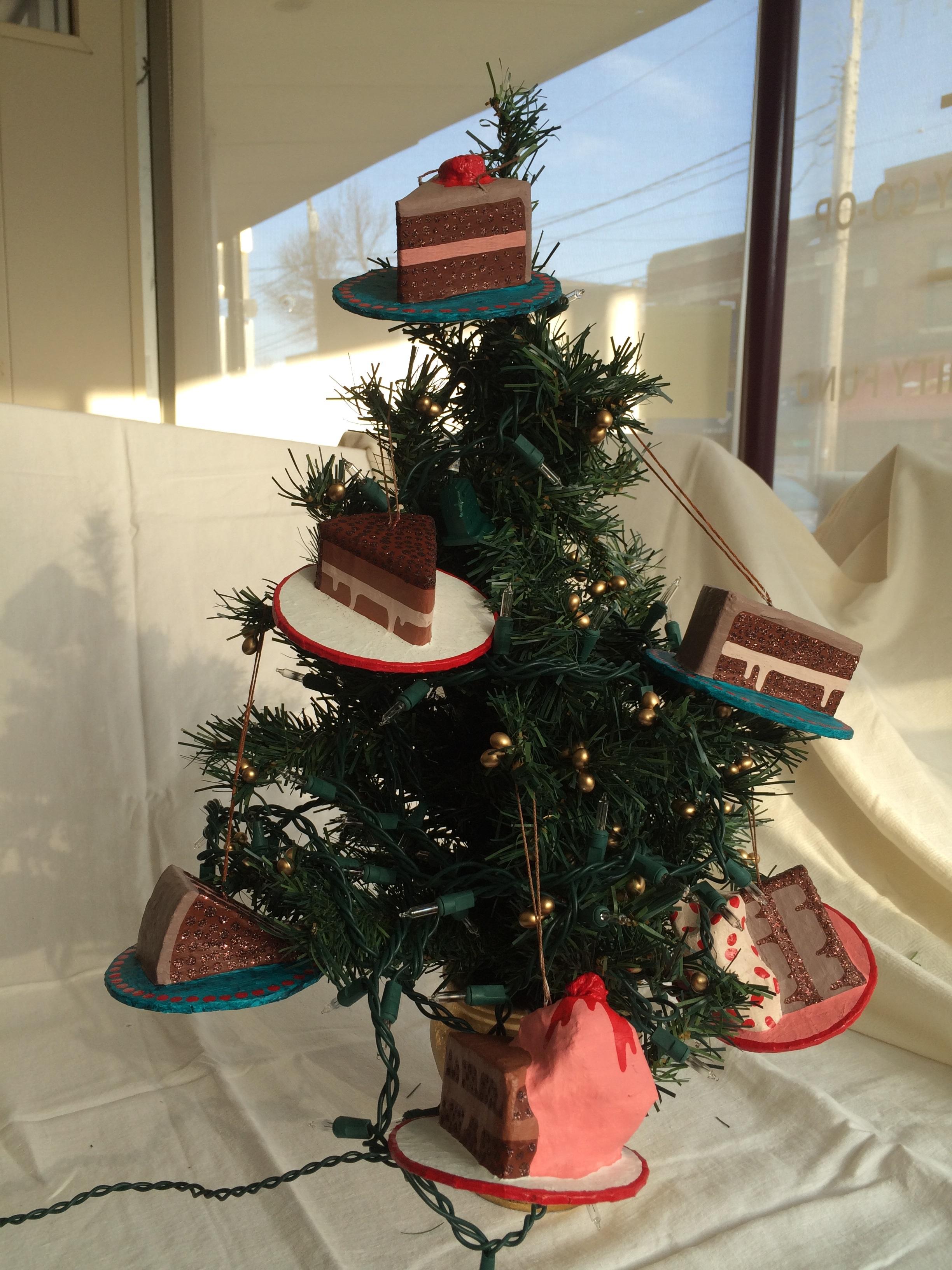 cake_ornament.jpg