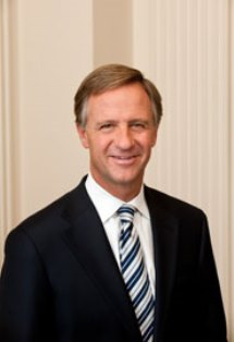 Gov-Haslam-headshot_large_file.jpg