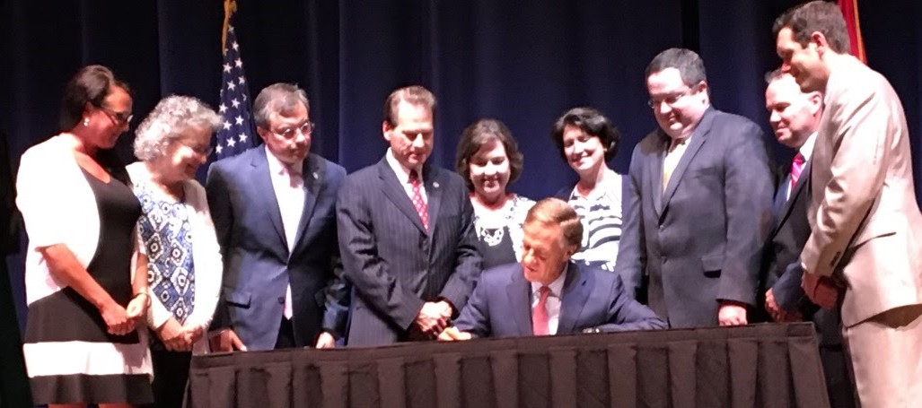 Gov_Haslam_Signing_TN_Infants_Protection_Act_June_2017.jpg