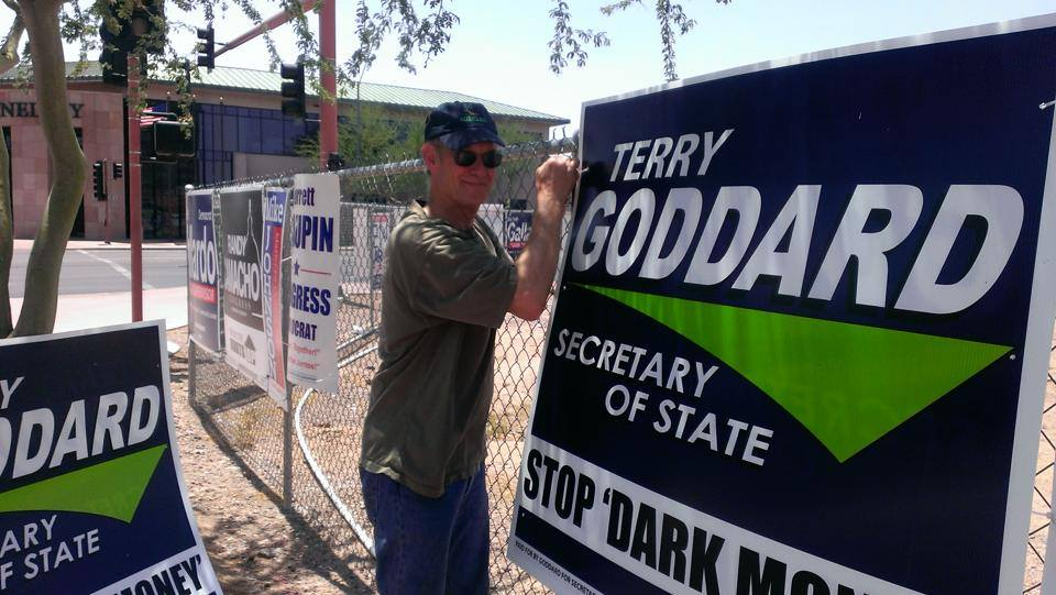 Terry_Goddard_signs.jpg