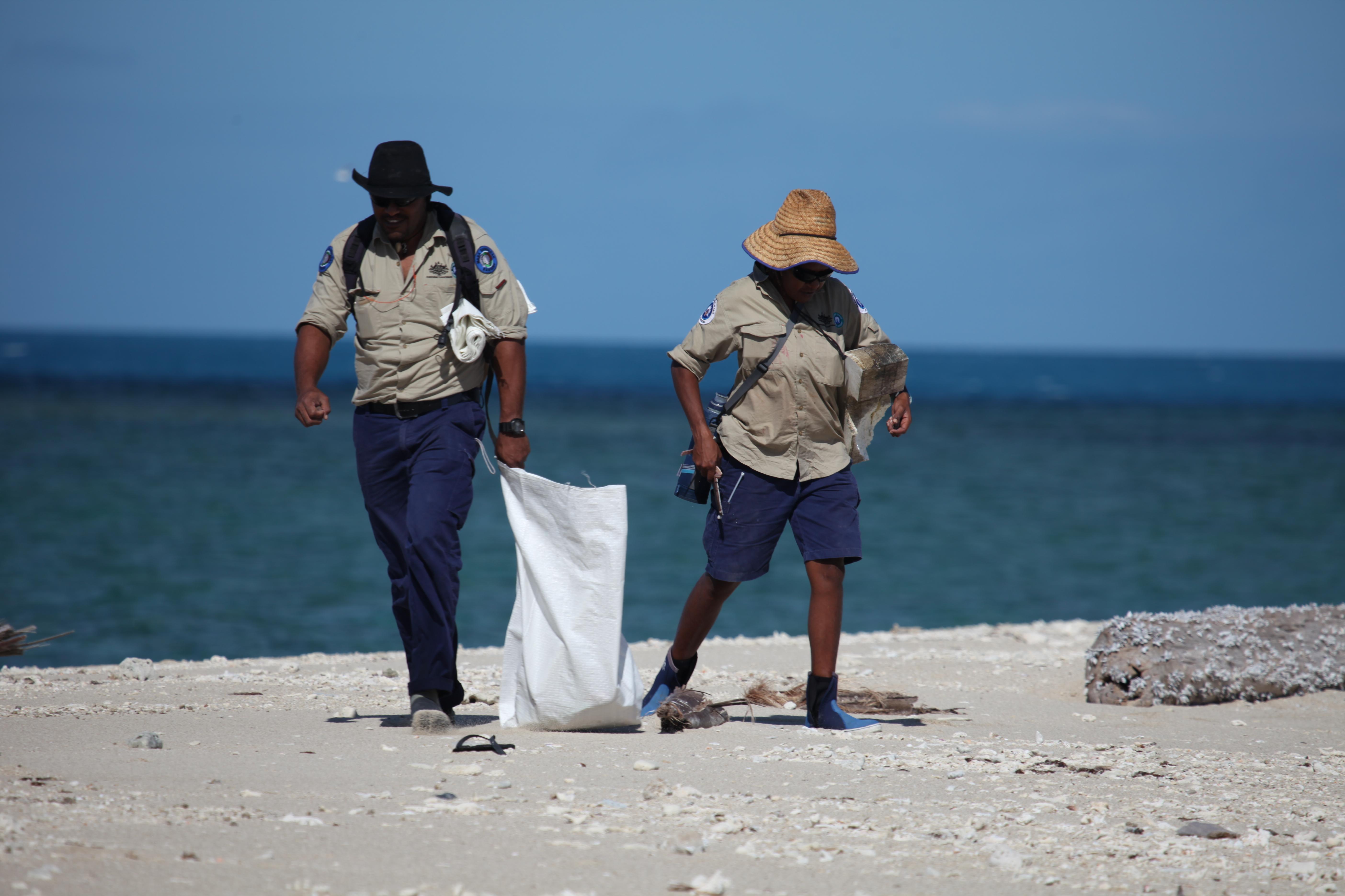 Copy_of_Rangers_on_uninhabited_isalnd_beach_clean-up_credit_Matt_Dunn.JPG