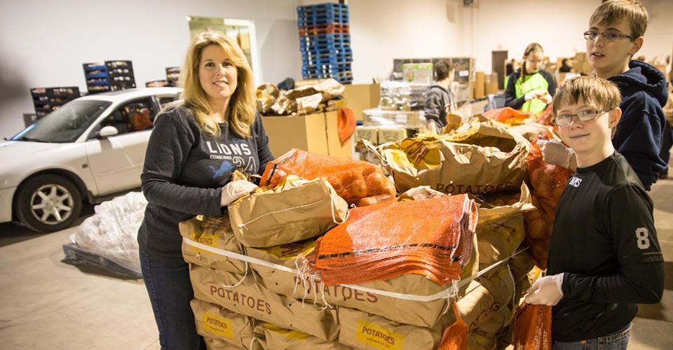 Volunteer Gleaners Food Bank