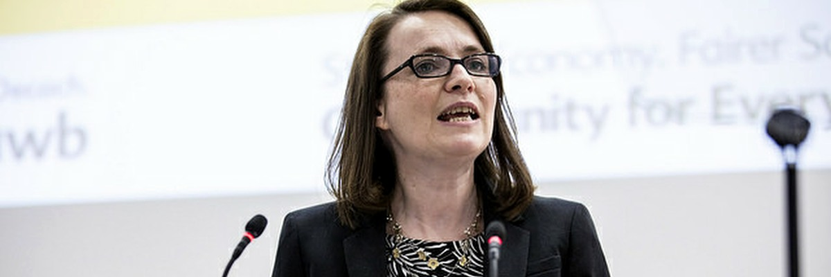 Kirsty Williams speaks at Welsh Lib Dem conference.