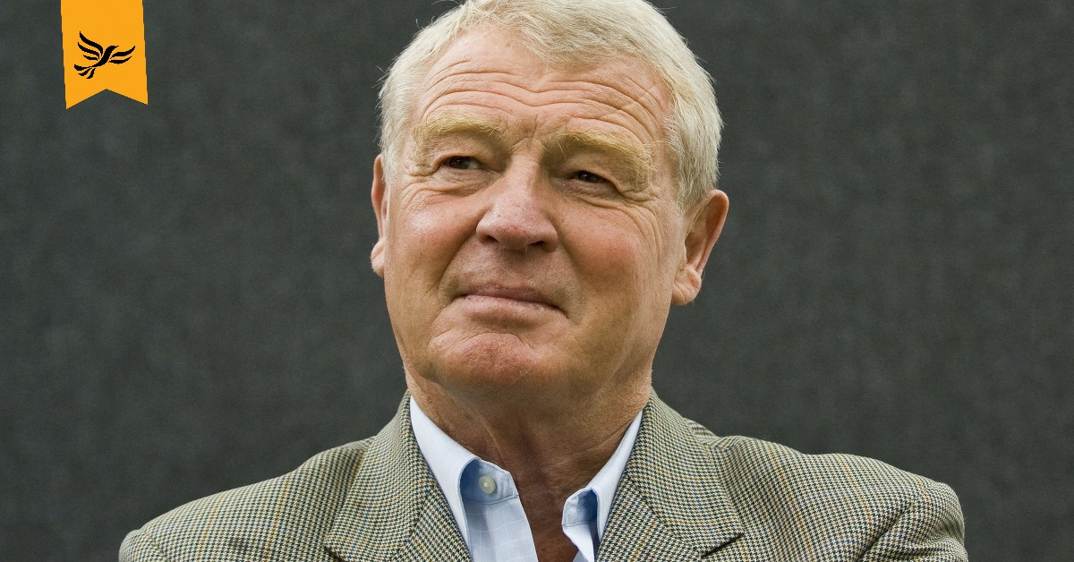 Paddy Ashdown speaking at Lib Dem conference. Links to: Tribute to Paddy Ashdown