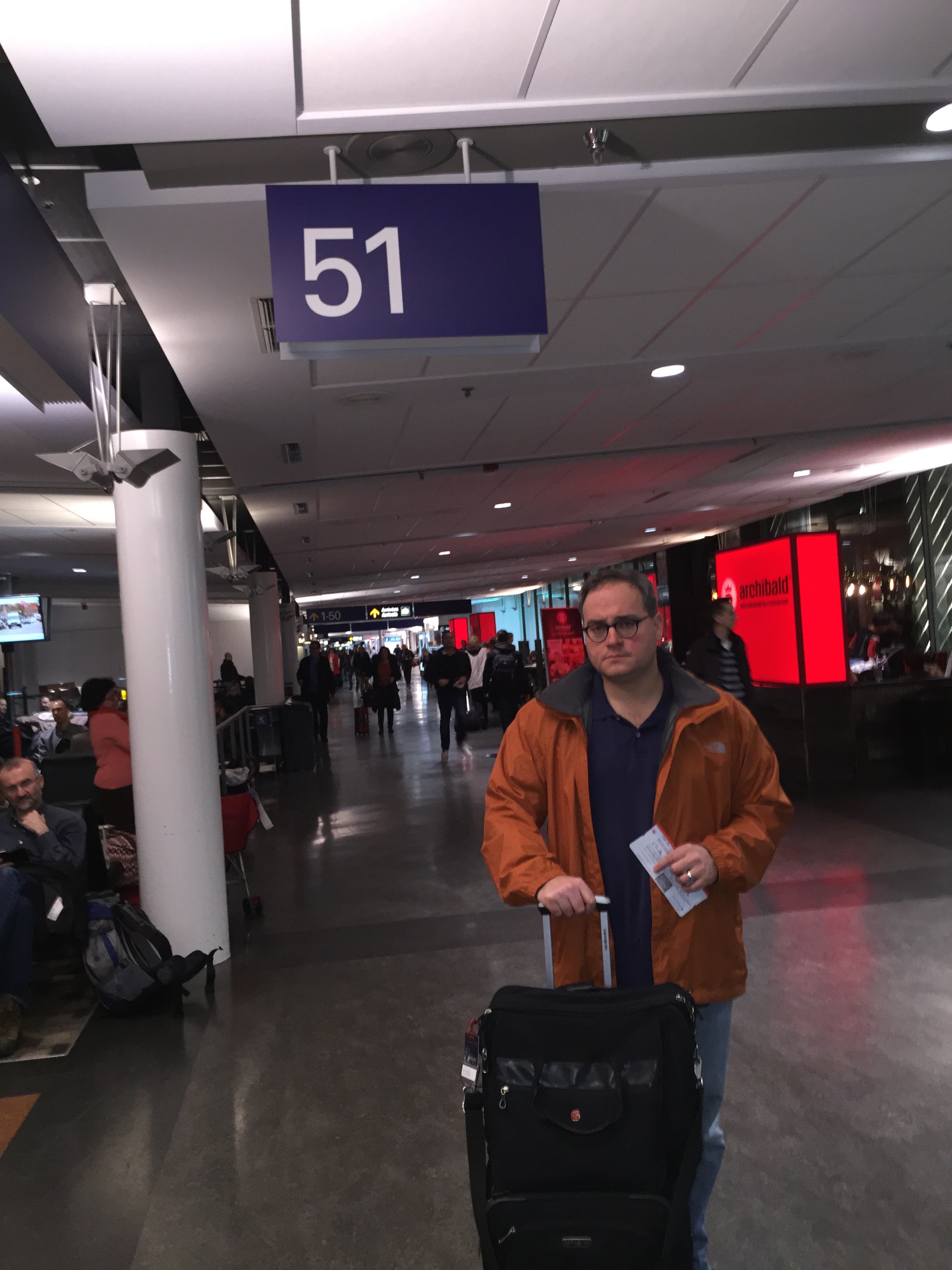 Ezra_at_airport_on_route_to_France.JPG