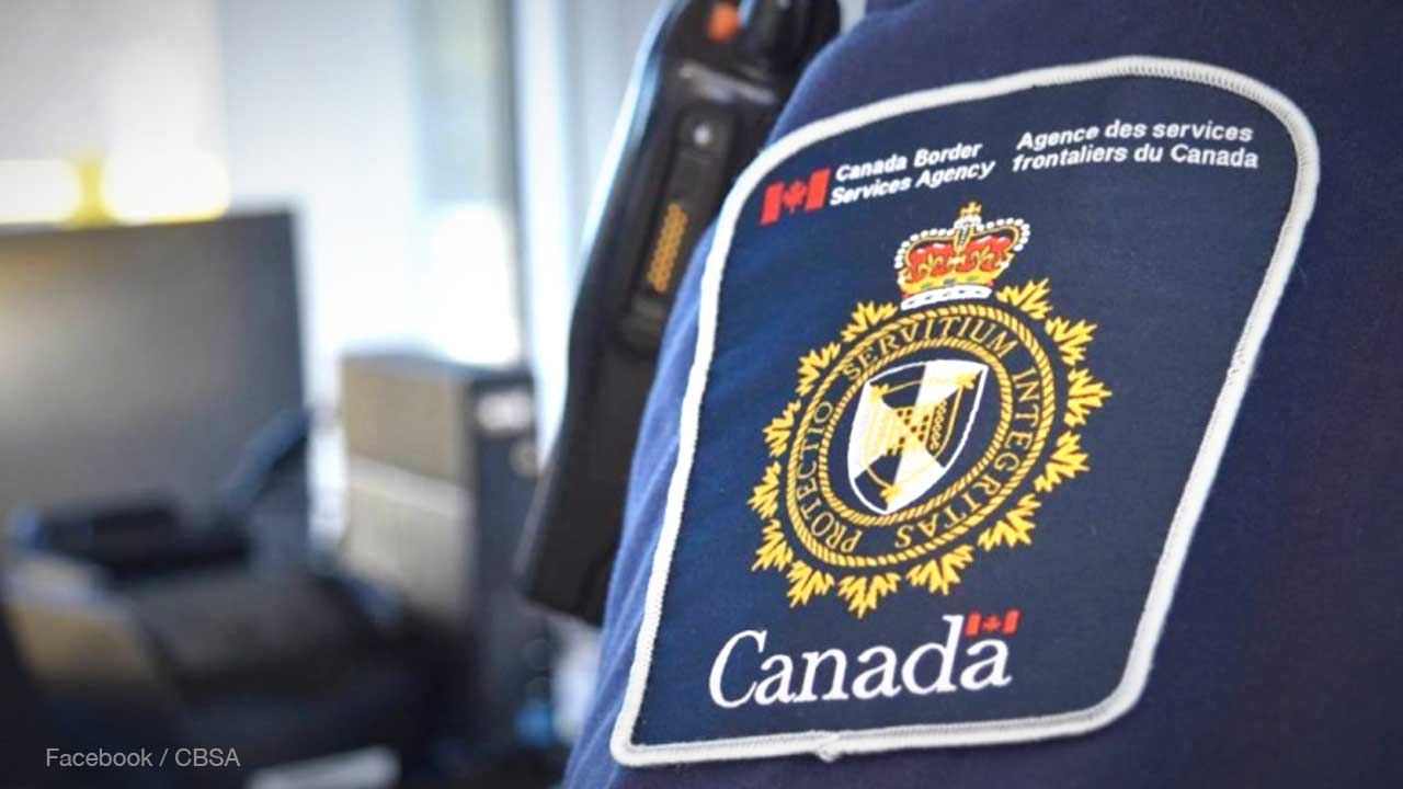 More than 27,000 cell phones, iPads searched by Canada Border Services over 2 year period
