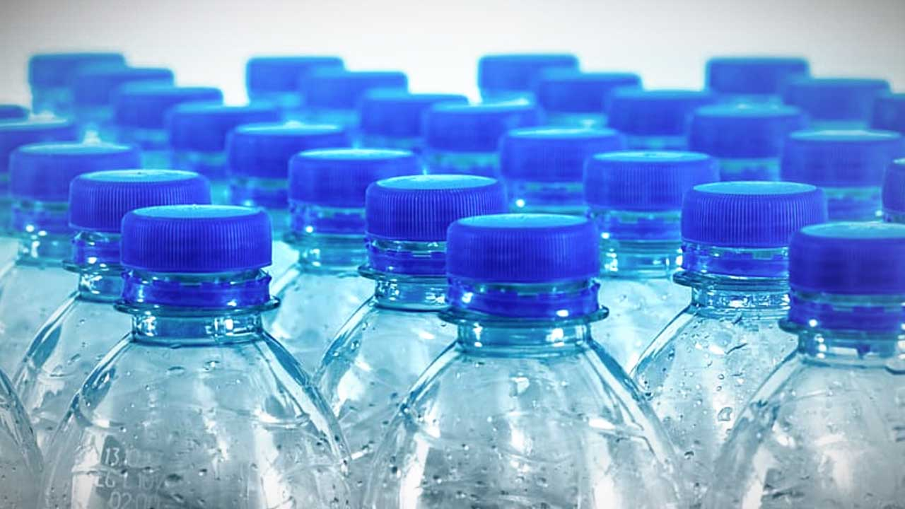 Plastic water bottle boycott at Enviro Canada: Status of drink box water bottle sort of things unclear