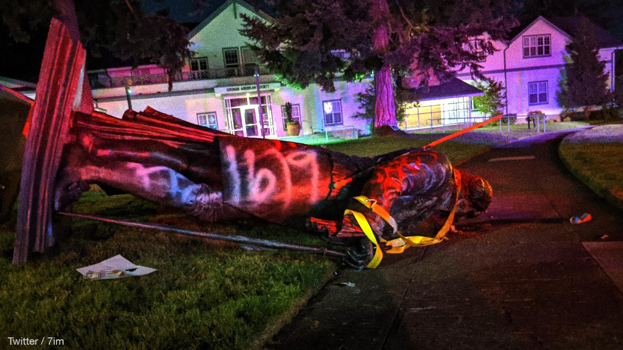 Portland Antifa topple George Washington statue