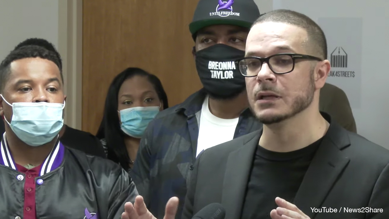 Shaun King threatens to dox random Kenosha police after shooting of Jacob Blake