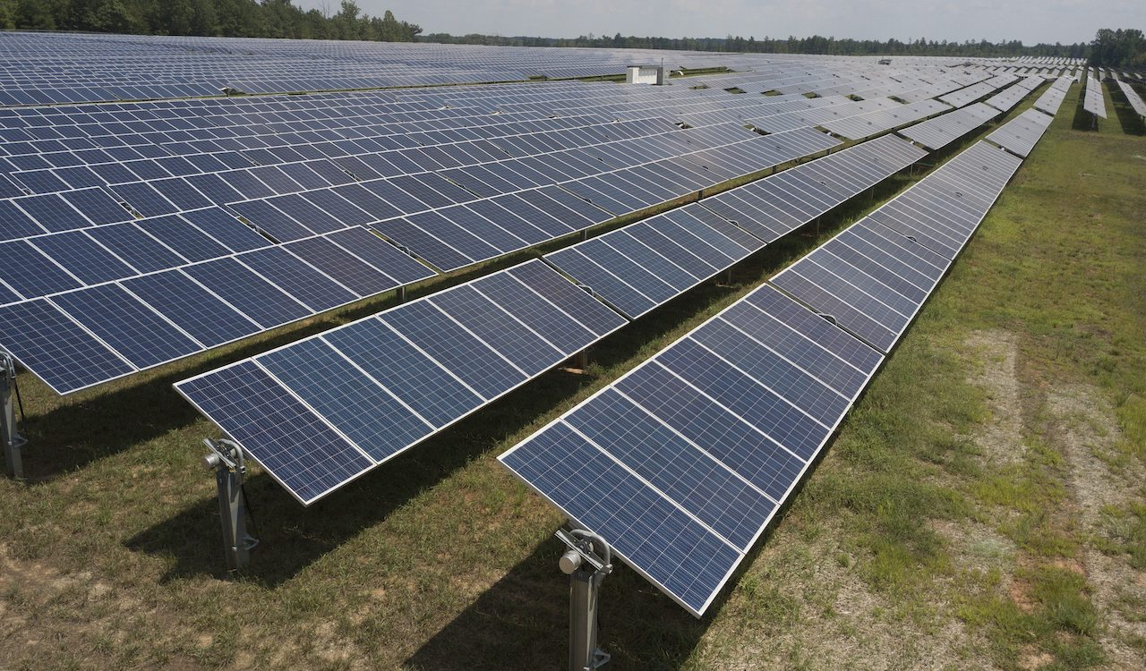 45,000-panel solar farm to be built in Edmonton's River Valley