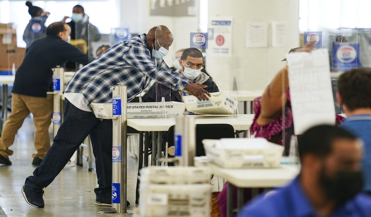More voters registered than eligible citizens in 353 US counties
