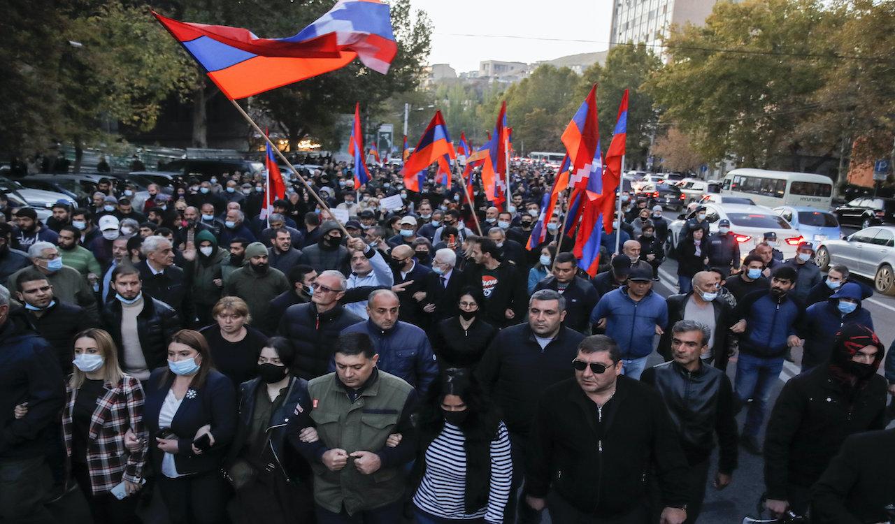 Armenia strikes peace deal with Azerbaijan, ending hostilities