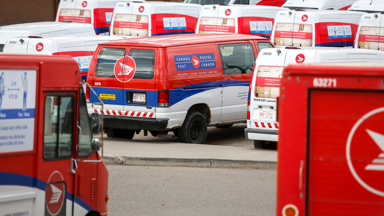 Canada Post suspends workers for refusing to deliver Epoch Times