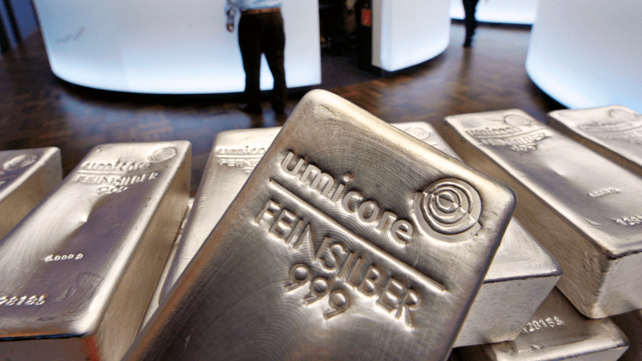 Price of silver jumps amid stock market chaos, Reddit users suspect Wall Street interference