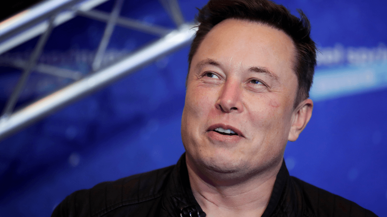 """Elon Musk says Bitcoin is on verge of """"broad acceptance"""" by finance world"""