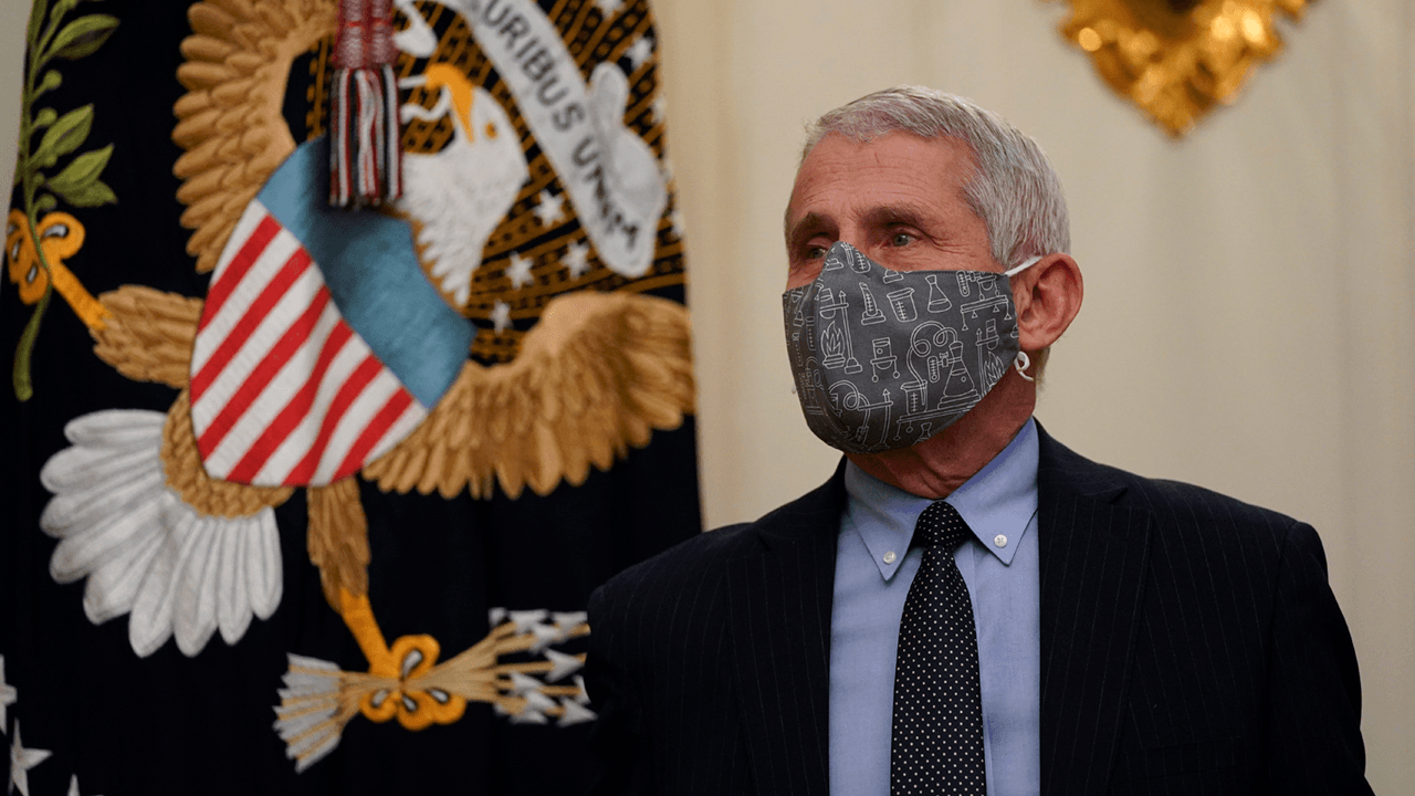 Fauci says people should still wear masks after getting COVID vaccine