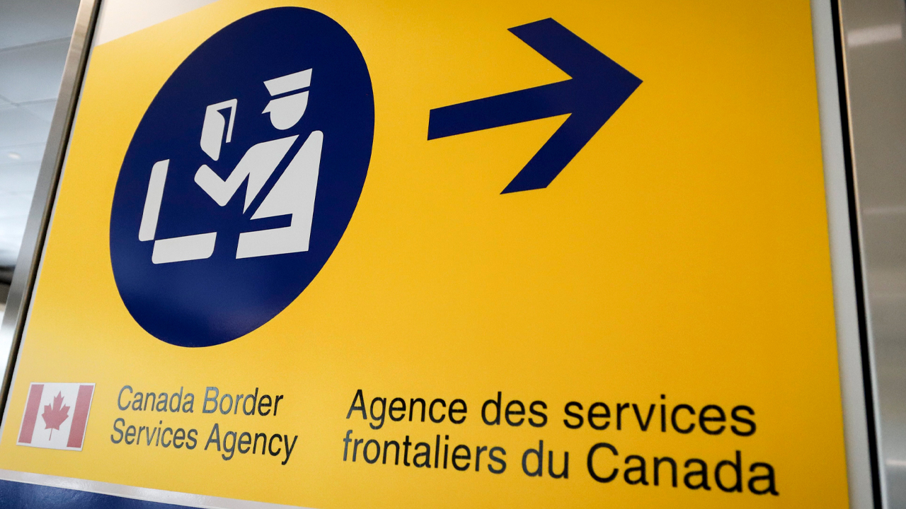 "CBSA hiring security to transport ""individuals and their luggage"""