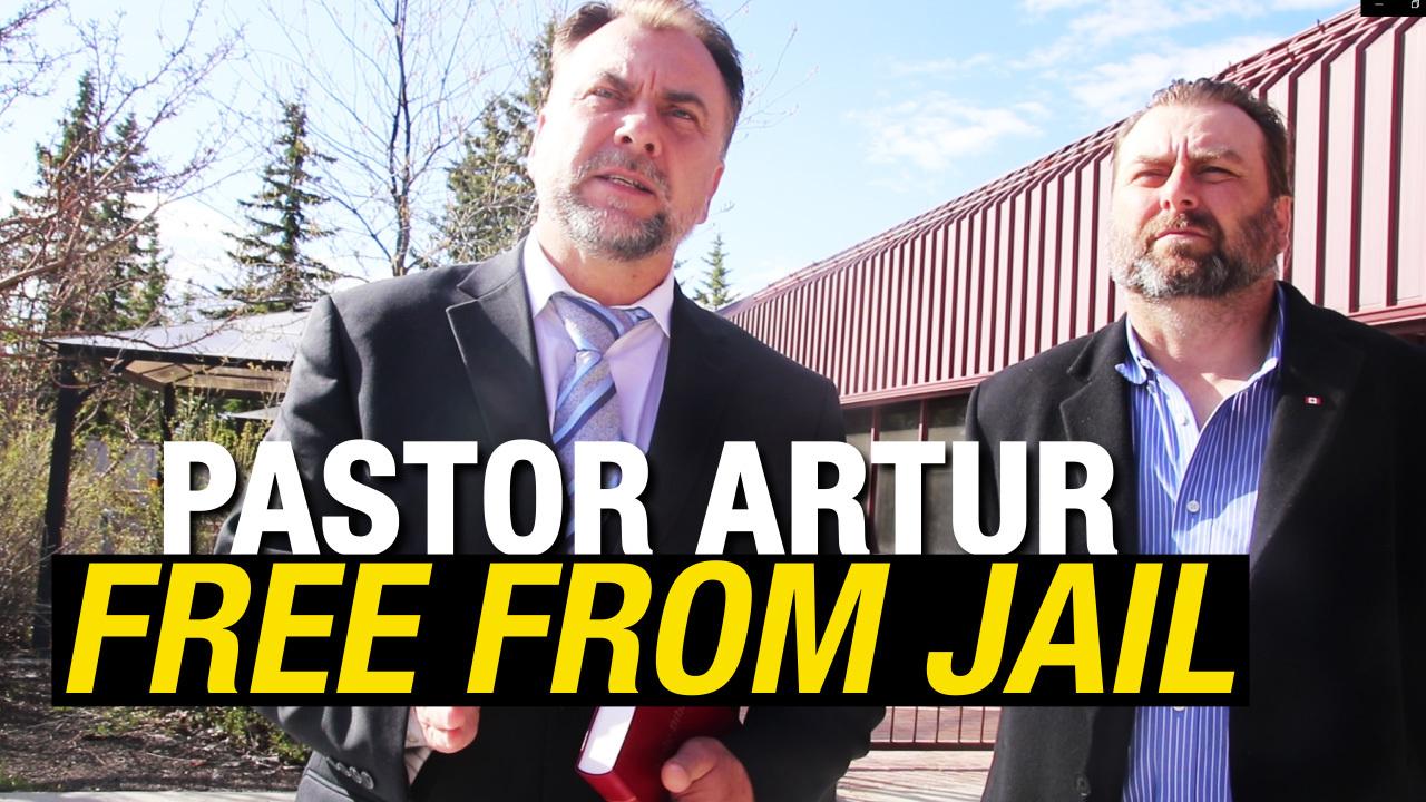 RAW: Pastor Artur Pawlowski speaks after release from jail