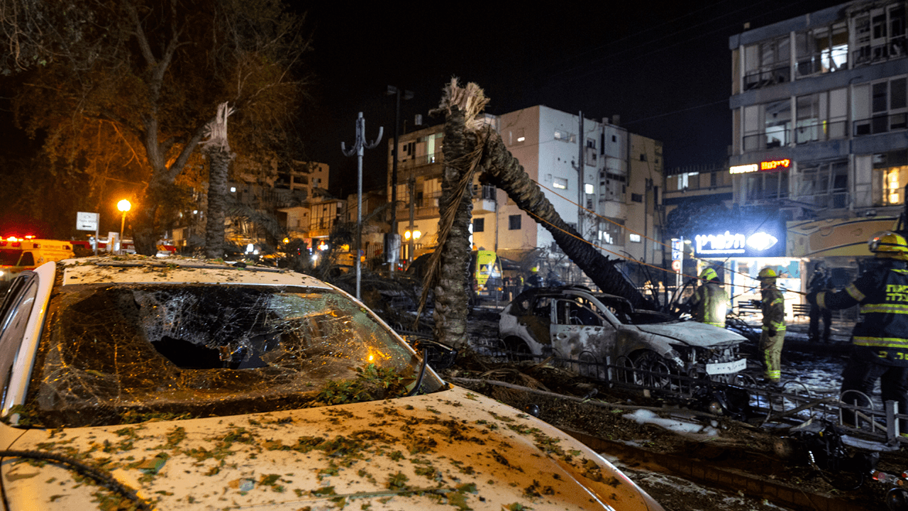 Hamas fires hundreds of rockets at Israel as conflict over Jerusalem escalates