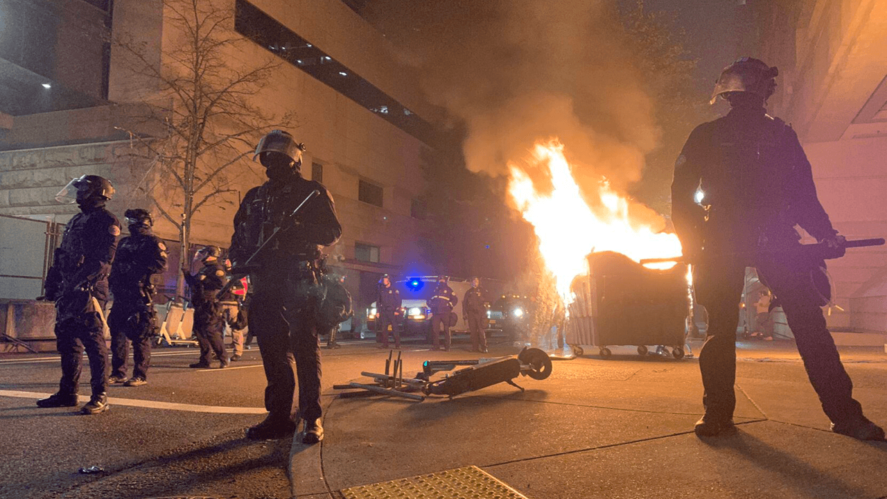 Antifa rioters attack police, vandalize business on George Floyd death anniversary