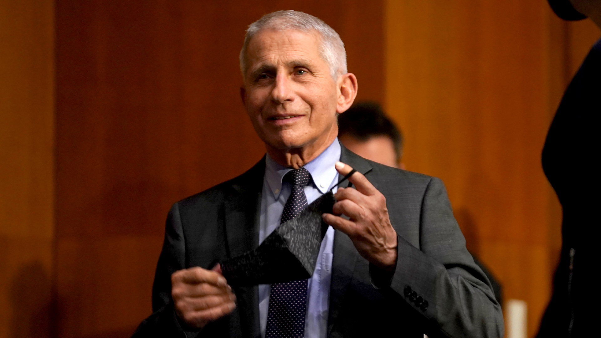 """Fauci was praised for supporting """"natural origin"""" COVID theory, emails show"""