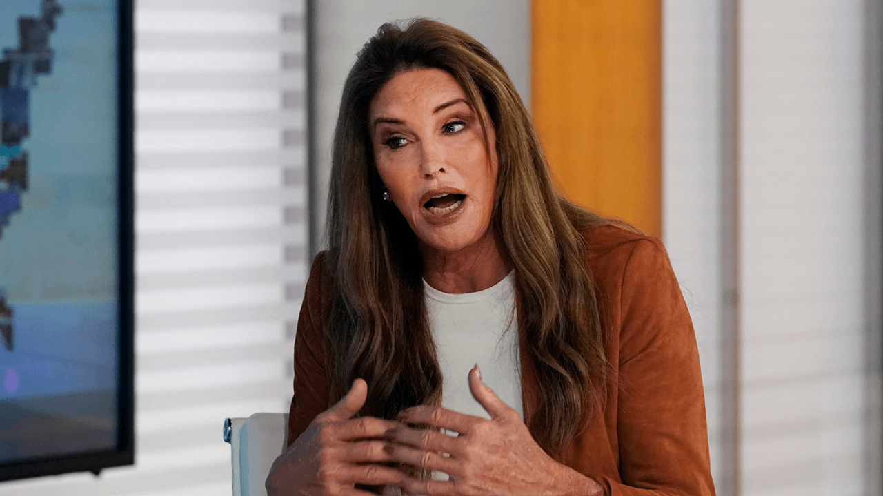 """Caitlyn Jenner slams Jimmy Kimmel over """"Donald Trump in a wig"""" comment"""