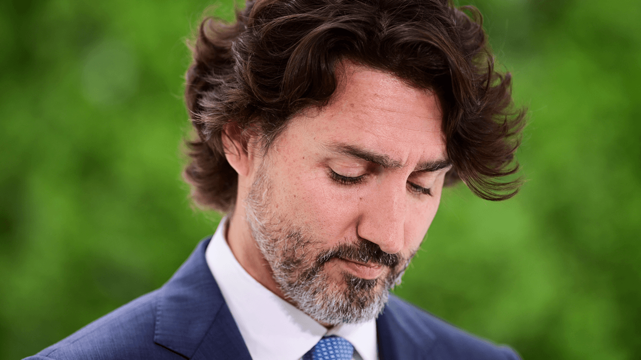 Trudeau: Pope Francis should come to Canada and apologize for residential schools