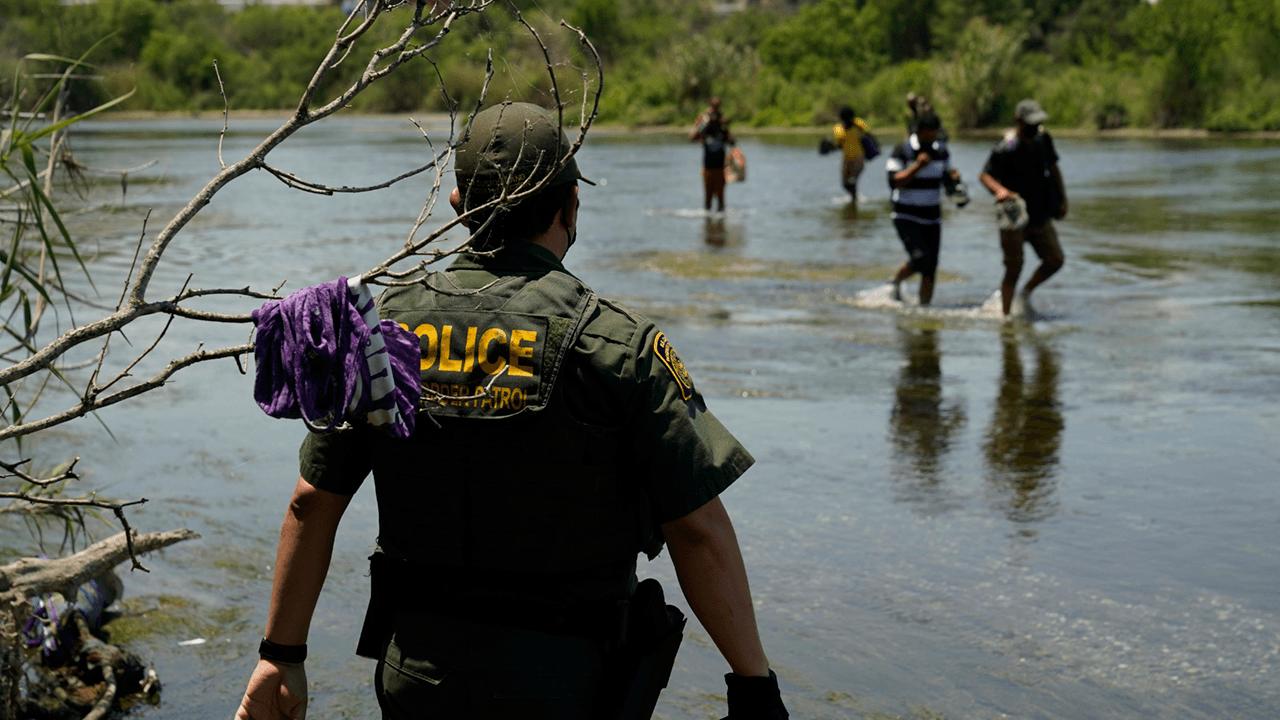 House Democrats' proposed budget includes $1 billion slash to border enforcement as migrant crisis continues