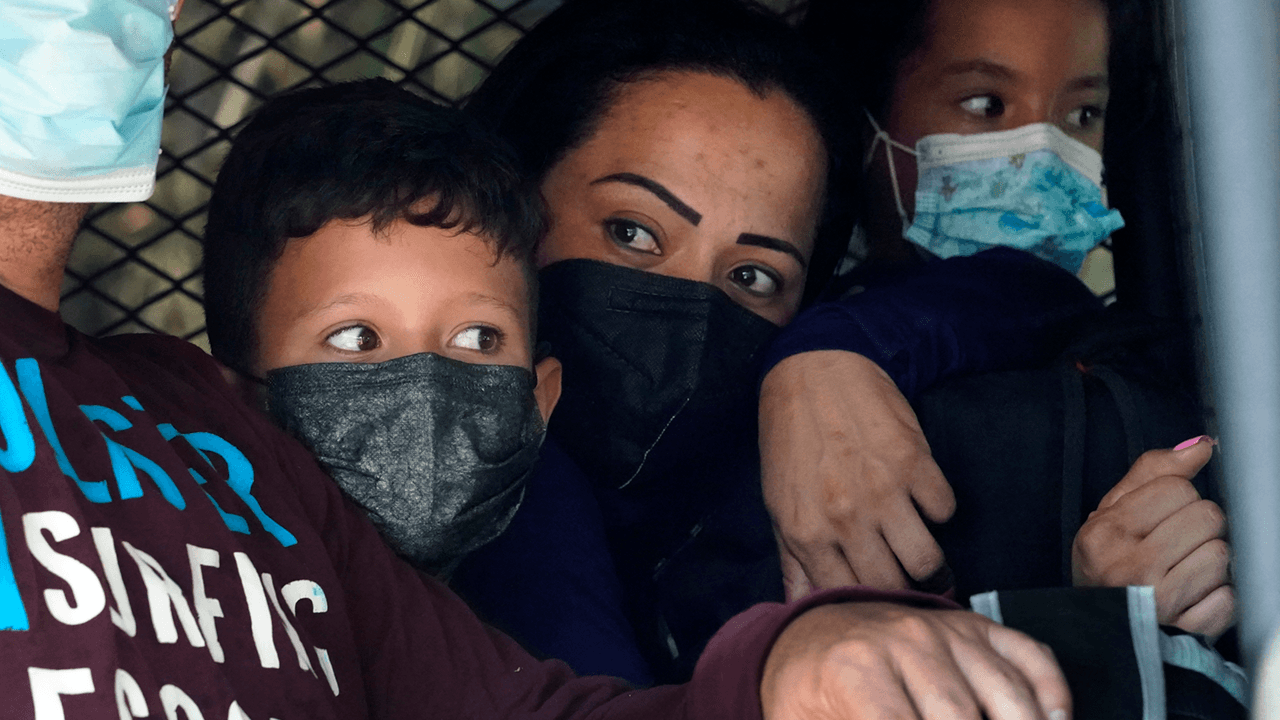 20% of illegal immigrant unaccompanied minors test positive for COVID when leaving border patrol custody: report