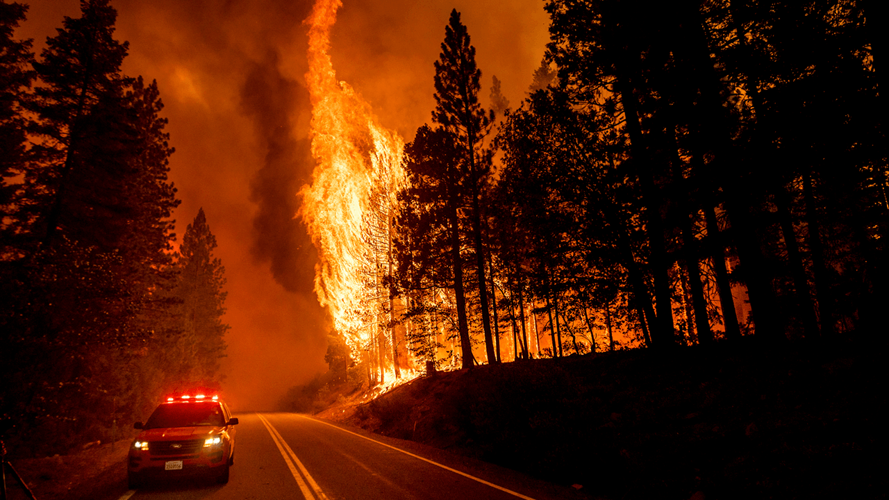 Former professor charged with intentionally setting wildfires in California, close to ongoing Dixie Fire