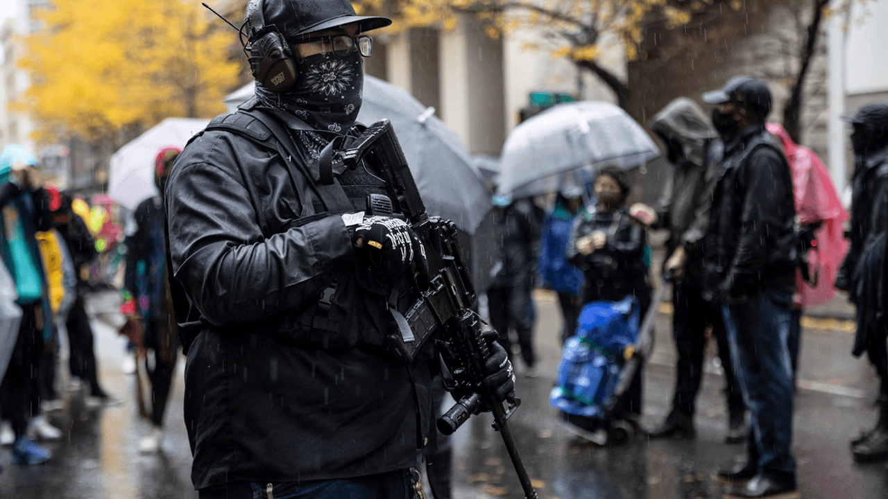 Portland businesses now hiring armed private security for protection after city slashes police budget