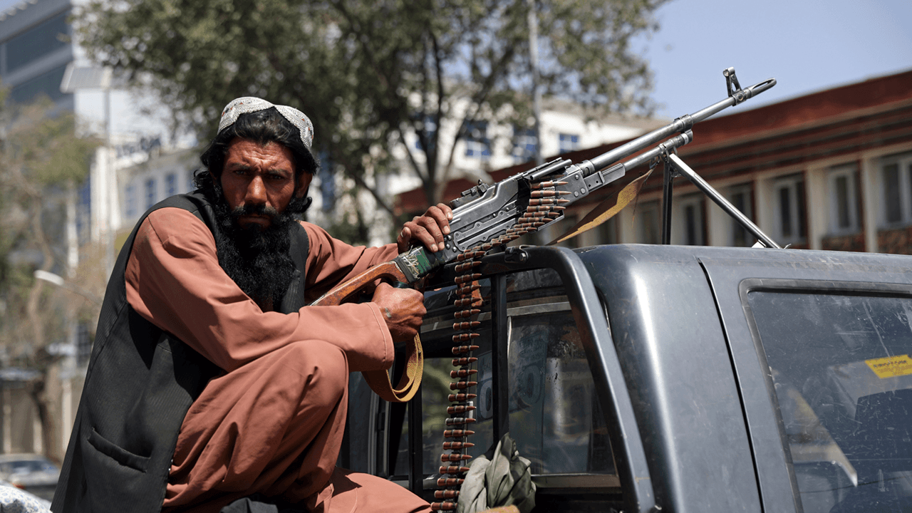 Taliban going door to door searching for American collaborators, foreign journalists