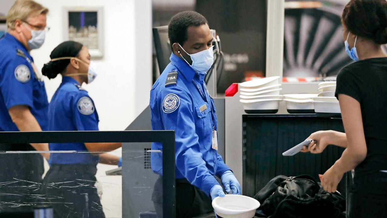 TSA extends mask mandate for air travellers, public transit to Jan. 18, 2022