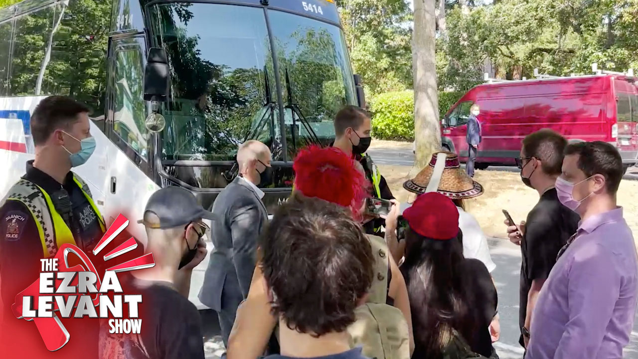 Why didn't mainstream media report when Aboriginal protests blocked Trudeau's campaign bus?